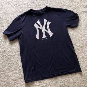 Authentic Yankees MLB T-Shirt Size Small